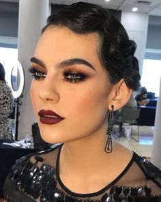 Makeup Gatsby Make Up Great Gatsby Makeup, 1920 Makeup, 1920s Makeup Gatsby, Flapper Makeup, Retro Makeup, Glam Makeup, Beauty Makeup, Hair Makeup, Hair Beauty