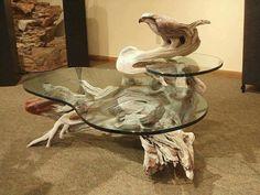Adler Tisch aus Holz