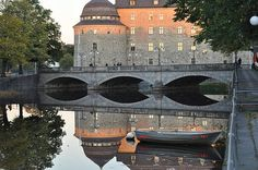 http://2-stefan-pettersson.artistwebsites.com/featured/castle-in-reflection-stefan-pettersson.html