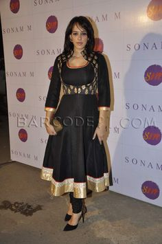 Sonam M launched her new collection and to celebrate the event ,Hazel Keech is wearing a Sonam M anarkali with a koti. She is carrying a Pinky Saraf enamel clutch Indian Attire, Indian Ethnic Wear, Indian Style, Kurta Designs Women, Blouse Designs, Indian Dresses, Indian Outfits, Indian Clothes, Designs For Dresses
