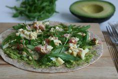 Varieer tijdens de lunch. Probeer deze wrap met eiersalade en avocado eens. Houdt je bloedsuikerspiegel in balans en zit bomvol goede vetten.