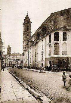 Antequera. Calle Infante esquina San Agustín. 1924. Sidewalk, Architecture, Prehistory, Antique Photos, Monuments, Street, Walkway, Side Walkway, Walkways