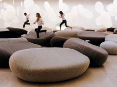 Cojines de piedra de la colección Livingstones deSmarin Design en DEF Deco | Decorar en familia.