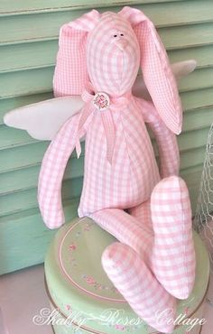 Pink and green Fabric Toys, Fabric Crafts, Sewing Crafts, Sewing Projects, Softies, Tilda Toy, Sewing Stuffed Animals, Sewing Dolls, Baby Kind