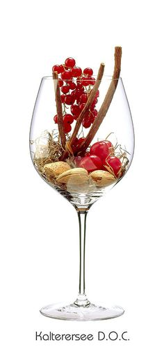 KALTERERSEE  Red currant, cherry, liquorice, hay, almond