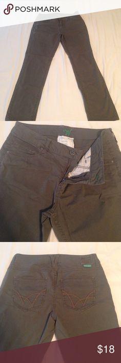 "🎀Wörn (brand) women's jeans Your next favorite jeans! Super new! Zero stains! Lightweight 👍 mid to high rise! Inseam 28"" length 38,5"" waist 34"" Jeans Straight Leg"