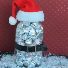 Amazing Santa gift in a jar that can be made in just seconds. Grab a few craft supplies and add the gift of your choice. This one works with any gift!