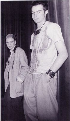 Soo Catwoman and Sid Vicious he looks so adorable here