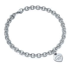 Return to Tiffany™ heart tag necklace. I think I will buy this for myself for :) Colar Tiffany E Co, Tiffany And Co Necklace, Tiffany Jewelry, Drop Necklace, Tiffany Bracelets, Gold Necklace, Pearl Jewelry, Jewelery, Fine Jewelry