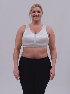 This maximum support sports bra is for those who feel like nothing is working for them! A SELF Certified winner and favorite of Oprah and Ashley Graham. Best Sports Bras, Ashley Graham, Oprah, Things That Bounce, Athletic, Fashion, Moda, Athlete
