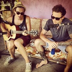Tom Fletcher & Danny Jones My favorite musicians, mcfly Tom Fletcher, Dougie Poynter, Great Bands, How To Run Longer, Music Bands, My Boys, Cool Photos, Toms, Hipster