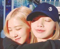 seeing them both smile, makes me happy to see it South Korean Girls, Korean Girl Groups, Divas, Blackpink Twice, Lisa Blackpink Wallpaper, Blackpink Memes, Girls Rules, Blackpink Fashion, Poses