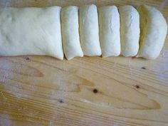 Vanília pudingos csiga recept lépés 9 foto Bread, Food, Halloween, Basket, Essen, Breads, Baking, Buns, Yemek
