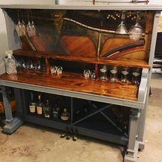 eine bar aus einem alten klavier zaubern wie das aussieht siehst du hier deko pinterest. Black Bedroom Furniture Sets. Home Design Ideas