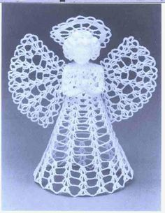 I love these little lace Christmas angels: their delicate look and versatility! Christmas Angel Decorations, Christmas Angel Ornaments, Crochet Christmas Ornaments, Etsy Christmas, Christmas Crafts, Angel Crochet Pattern Free, Crochet Angels, Vintage Crochet Patterns, Free Crochet