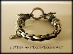 Bracelet en crins de cheval par MPierArtEquin sur Etsy, $125.00