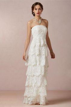 Brautkleider im Empire Stil: Schichtenkleid mit Spitze