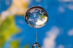 Out of this world: planets captured within water drops by Markus Reugels (Ecosystems Camp)