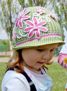 Crochet Panama Flower Hat Free Pattern [Video] to bright up Spring and Summer wear for girls and women: Crochet Summer Sun Hat, Crochet Girls Cloche Hat Bonnet Crochet, Crochet Diy, Crochet Girls, Crochet For Kids, Childrens Crochet Hats, Sombrero A Crochet, Crochet Hat With Brim, Flower Hats, Kids Hats