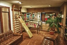 Graceland - Elvis Presleys home in Memphis, Tennessee, This is a game room above his gym