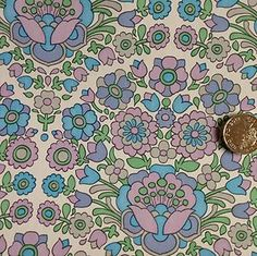 1970s wallpaper floral pattern