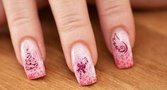 Google Image Result for http://www.nailsmanicures.com/wp-content/uploads/2012/10/Nail-Art-Pink-Christmas.jpg