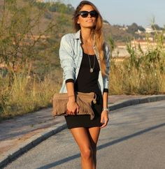 Wardrobe Resurrection: How to wear a denim shirt: Smart casual outfit inspiration Mode Outfits, Trendy Outfits, Fashion Outfits, Womens Fashion, Fashion Trends, Fashion News, Fashion Bloggers, Latest Fashion, Summer Outfits