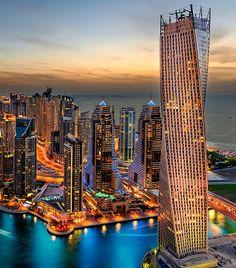 Dubai, la capitale di uno dei sette emirati che compongono gli Emirati Arabi Uniti.