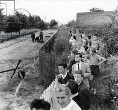 Closure of the border at Kleinmachnow near West Berlin, just prior to the completion of the Berlin Wall, 13 August 1961 (b/w photo)