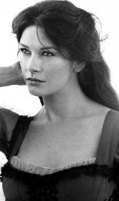 Catherine Zeta-Jones, Academy Award winner (Supporting Actress 2002)