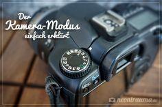 Hast du dich schon mal gefragt, was diese ganzen Abkürzungen auf deiner Kamera bedeuten? - Hier erfährst du, was es mit dem Modus-Wahlrad auf sich hat! :)