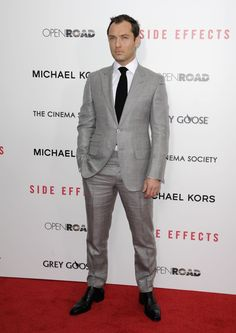 Jude Law. | 20 Celebrities Who Look Unbearably Flawless In Suits