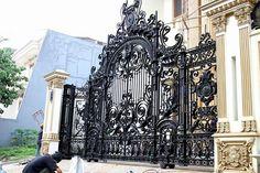 Ворота, огорожі. – 28 фотографий