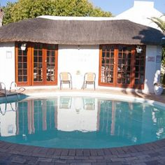 """Pelican Place Guest Cottages 1 Pelican Way, Nerina, Durbanville (7550) Mobile: 083 636 9833 E-mail: info@pelicanplace.co.za Pelican Place Self Catering Cottages in Durbanville Pelican Place Guest Cottages is situated in the tranquil, leafy and well-established suburb of Durbanville, the """"jewel"""" of the Northern Suburbs of Cape Town. #pelicanplace #mondaygetaway #selfcatering #selfcateringcottages #cottages #DurbanvillePelicanPlace #guestcottage #cottage Cape Town Accommodation, Self Catering Cottages, Wonders Of The World, South Africa, Jewel, This Is Us, Places, Outdoor Decor, Home"""