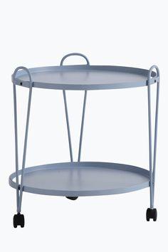 Runt bord på hjul med två plan. Av metall. Höjd 55 cm. Ø 51 cm. Lev. omonterad. <br><br>