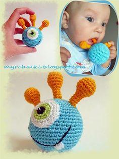 Crochet Ball, Crochet Baby Toys, Crochet Gifts, Crochet For Kids, Crochet Animals, Baby Knitting Patterns, Amigurumi Patterns, Baby Patterns, Crochet Patterns
