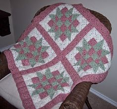 Crochet baby quilt Free pattern from Ravelry