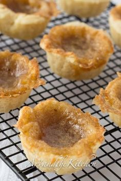 Indulge in some great Old Fashioned Butter Tarts. A Canadian classic dessert recipe with sweet, slightly runny filling and made from scratch, flaky, melt in your mouth pastry. Mini Desserts, Classic Desserts, Just Desserts, Delicious Desserts, Yummy Food, Yummy Eats, Tart Recipes, Sweet Recipes, Cookie Recipes