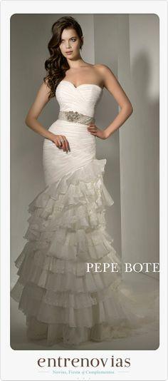 Colección Pepe Botella 2014. Un bonito vestido de novia de corte sirena. www.entrenovias.es
