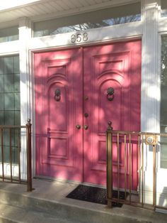 Pink doors in Lincoln Park! My front door is more rose than this, but still so cheerful & somewhat unexpected.