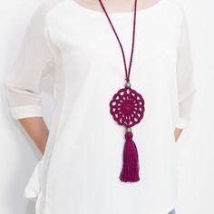 How to make a macramé flower 🌺 - Ελένη Κουντουρη Crochet Necklace Pattern, Crochet Bracelet, Crochet Earrings, Crochet Collar, Knit Crochet, Dental Jewelry, Knitting Patterns, Crochet Patterns, Jewelry Stores Near Me