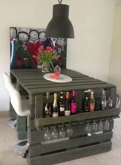 20 DIY Projects That Will Turn Old Pallets Into Unique Furniture These pallets ideas are full of creativity and are sure to get you passionate for DIY pallet furniture! Wood is selected for building furniture Wooden Pallet Projects, Wooden Pallet Furniture, Pallet Beds, Pallet Crafts, Unique Furniture, Diy Furniture, Pallet Tables, Bar Tables, Bedroom Furniture