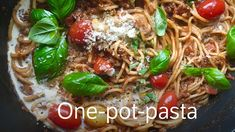 Alt-i-ett-gryte med pasta Dinner This Week, Japchae, Food Styling, Easy Meals, Easy Recipes, Tapas, Bacon, Food And Drink, Yummy Food