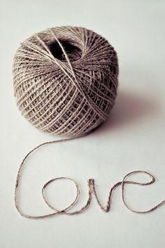 ♥ Amor y Corazones ♥    Rhttp://lookslikewhite.tumblr.com/