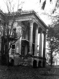 Side portico at Belle Grove plantation near White Castle Louisiana :: State Library of Louisiana Historic Photograph Collection