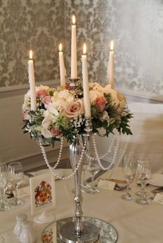 In the Windsor Suite Regency Candelabras draped with strings of pearls and surrounded by Roses, Hydrangeas, Sweet Peas and Thistles dressed the t… – wedding Candleabra Wedding Centerpieces, Candelabra Flowers, Candelabra Centerpiece, Wedding Decorations, Centrepieces, Design Floral, Deco Floral, Vintage Glamour Wedding, Vintage Roses