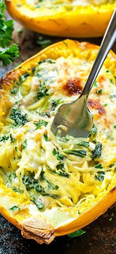Aiming to eat more veggies? This Cheesy Garlic Parmesan Spinach Spaghetti Squash… Aiming to eat more veggies? This Cheesy Garlic Parmesan Spinach Spaghetti Squash recipe packs an entire package of spinach swirled with an easy cheesy cream sauce. Low Carb Recipes, Cooking Recipes, Healthy Recipes, Simple Recipes, Cooking Eggs, Cheesy Recipes, Cooking Food, Real Cooking, Cooking Beef