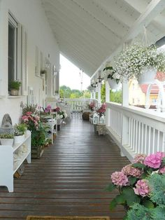 front porch decor ideas - Porches have their background in very early America and are frequently related to a simpler time and lifestyle, Best Rustic Farmhouse Front And Back Porch Designs Ideas Summer Porch Decor, Veranda Design, Farmhouse Front Porches, Rustic Farmhouse, Farmhouse Shutters, Southern Porches, Farmhouse Ideas, Building A Porch, Building Homes