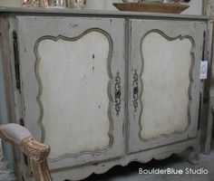 Painted furniture-Country french buffet #paintedfurniture
