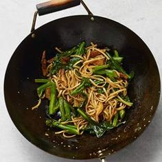 Lo mein with vegetables. Substitute and/ or add vegetables to taste. I love this as a Shabbat lunch